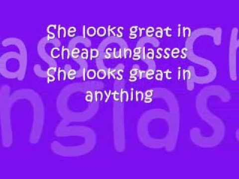 She's Everything by Brad Paisley Lyrics