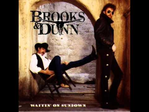 Brooks & Dunn - She's Not The Cheatin' Kind.wmv