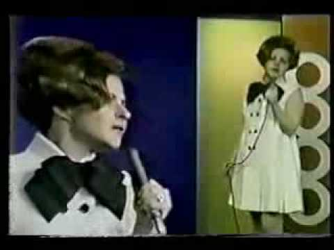 Brenda Lee - Johnny One Time - CC lyrics