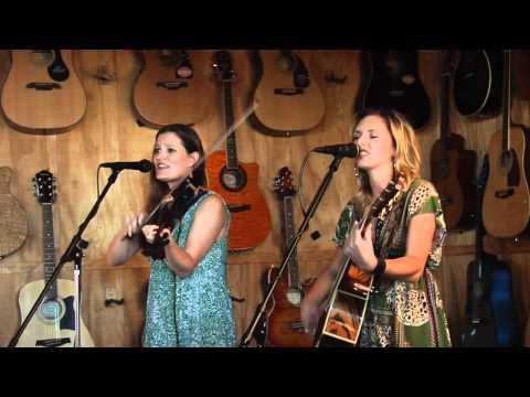 """Beach Day"" Live - Amber Lynn & Vicki Too!"