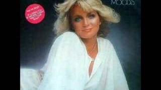 Barbara Mandrell – Sleeping Single In A Double Bed Thumbnail