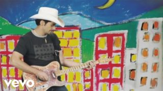 Brad Paisley – American Saturday Night Thumbnail