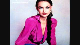 Crystal Gayle – Don't It Make My Brown Eyes Blue Thumbnail