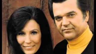 Loretta Lynn, Conway Twitty – After The Fire Is Gone Thumbnail
