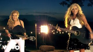 Maddie & Tae – Girl In A Country Song Thumbnail