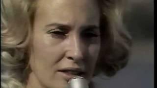 Tammy Wynette – D-i-v-o-r-c-e Thumbnail