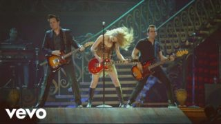 Taylor Swift – Sparks Fly Thumbnail
